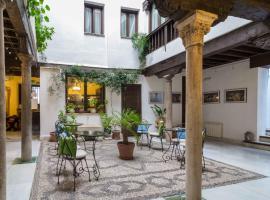 Casa del Capitel Nazarí, hotel cerca de La Alhambra y el Generalife, Granada