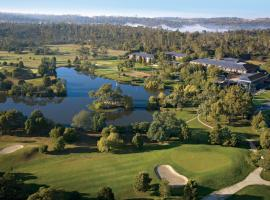 Country Club Tasmania, hotel in Launceston