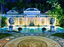 The Villa Casa Casuarina, hotel cerca de Museo Wolfsonian - Universidad Internacional de Florida, Miami Beach