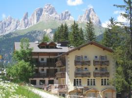 Hotel Miramonti, hotel in Canazei