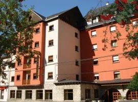 Hotel Villa de Canfranc, hotel cerca de Rey Juan Carlos, Estación de Canfranc
