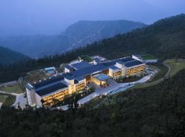 JW Marriott Mussoorie Walnut Grove Resort & Spa, resort in Mussoorie