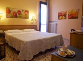 Hotel Astor, hotell i Modena
