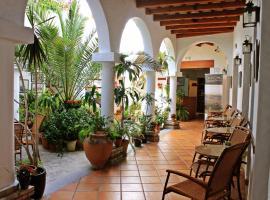 Almadraba Conil, hotel cerca de Real Novo Sancti Petri Golf Club, Conil de la Frontera