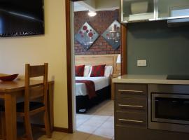 Glenelg Gateway Apartments, hotel near Gliderol Stadium, Adelaide