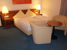 Hotel Jahnhaus, hotel near BayArena, Langenfeld