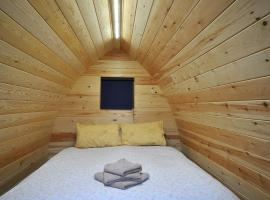 Wolds Glamping, campground in Pocklington