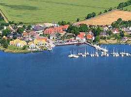 Hotel- & Ferienanlage Kapitäns-Häuser Breege, Hotel in Breege