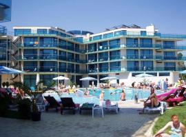 Riviera Blue Hotel, hotel in Sunny Beach
