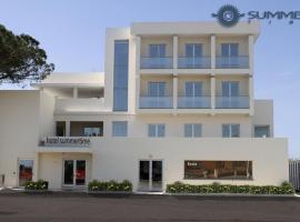 Summertime Hotel, hotel near Is Arutas Beach, Càbras