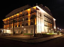 فندق Luxor Garden، فندق في كوجايِلِ