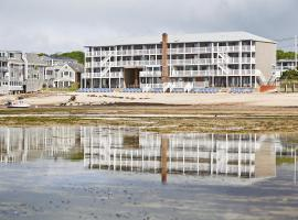 Surfside Hotel and Suites, hotel near Race Point Beach, Provincetown