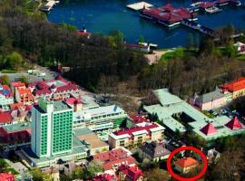 Hévíz Villa Familia, hotel poblíž významného místa Termální jezero Hévíz, Hévíz