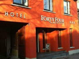 Forty Four Main Street, hotel in Swords