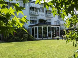 Hotel Riviera Blu, hotel near Stazione Livorno Centrale, Tirrenia