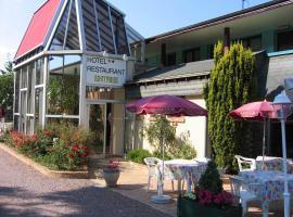 Hotel Restaurant Les Deux Sapins, hotel cerca de Château de Gaillon, Cailly-sur-Eure