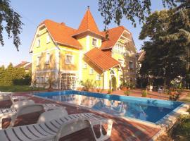 Éden Villa Családi Apartmanház, apartment in Balatonfüred