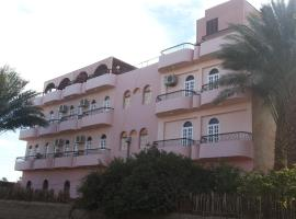 Amenophis Hotel, отель в Луксоре