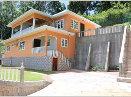 Exotic Guest House, hotel near Rita's Art Gallery and Studio, Praslin