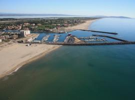 Hotel Le Richmont, hotel near Saint-Thomas Golf Course, Marseillan