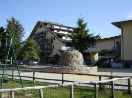 Hotel La Fattoria, hotell i Camigliatello Silano