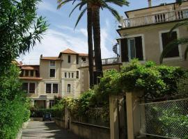 Albergo Fiorenza & Banksia Meublè, hotel in Alassio