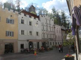 Hotel Krone, hotell i Bruneck