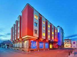 Хотел Палас, хотел в Казанлък