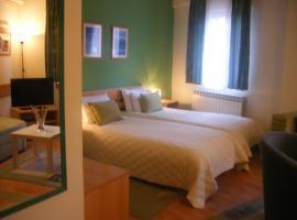 Hotel 7, отель в Скопье