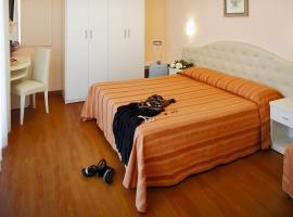 Hotel Plaza, hotell i Milano Marittima