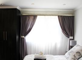 La Coscello Guest House, hotel near Greenstone Shopping Centre, Edenvale