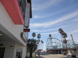 Carousel Beach Inn, hotel near Santa Cruz Beach Boardwalk, Santa Cruz