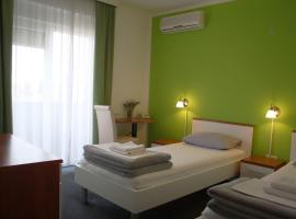 Pansion Komfor Fitea, hotel in Osijek