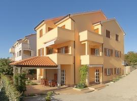 Apartment Omanović, hotel near Cizici beach, Čižići