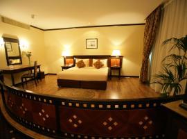 J5 Hotels Bur Dubai, hotel near Saeed Al Maktoum House, Dubai