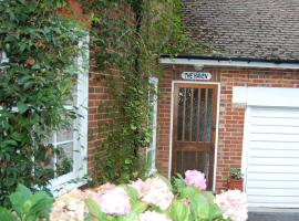 The Haven at Talysarn, hotel near Virginia Water, Ascot