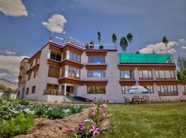 Ladakh Himalayan Retreat, hotel in Leh