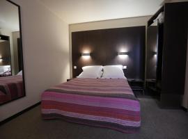 Hôtel Au Petit Caporal, hotel near Hippodrome de Vincennes, Maisons-Alfort