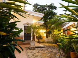 Hotel El Almendro, hotel in Managua