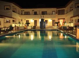 Hotel e Pousada Canoa Quebrada, hotel with pools in Canoa Quebrada
