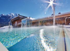 Mountains Hotel, hotel with pools in Seefeld in Tirol