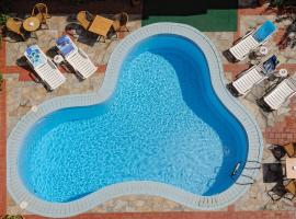 Cleopatra Apartments, serviced apartment in Hersonissos