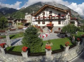 Hotel Des Glaciers, hotel in Courmayeur