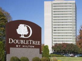 DoubleTree by Hilton Overland Park - Corporate Woods, hotel in Overland Park