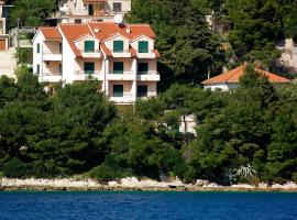 Apartments Vala, guest house in Vela Luka