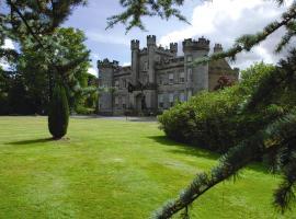 Airth Castle Hotel, hotel in Airth