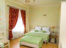 Villa Tamara, hotel near Patriarchal Cathedral, Bucharest