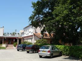Hotel Chantafred, hotel near Mérignac Airport - BOD, Pessac