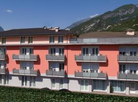 Hotel Garnì Corallo, hotel near Lago di Ledro, Nago-Torbole
