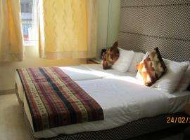 Empire Hotel - Grant Road, hotel near Girgaon Chowpatty Beach, Mumbai